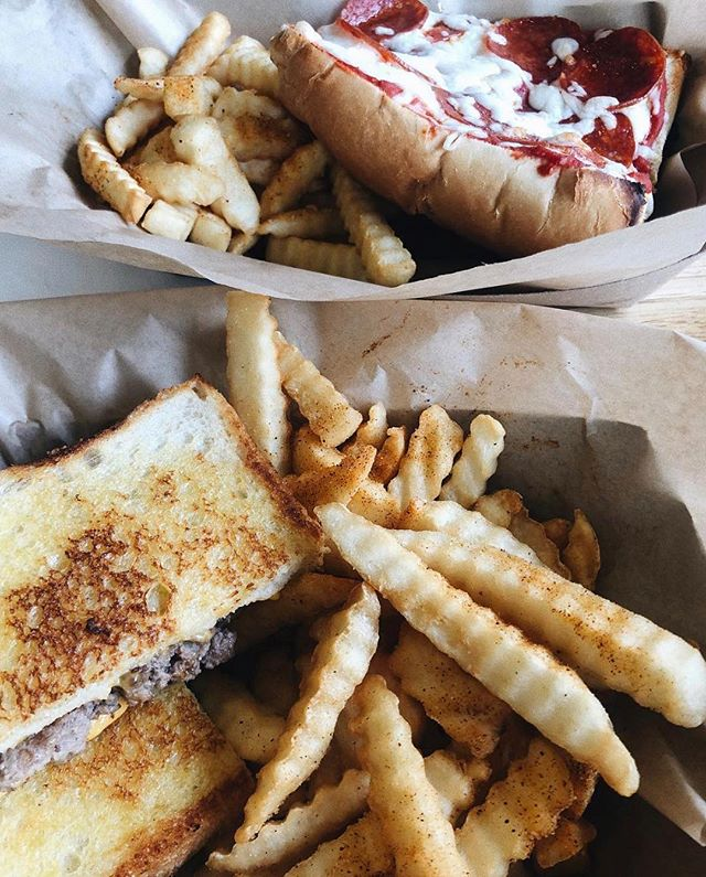If there's one thing in the world that will always feel like home it's crinkle cut fries! Head to @kacatering for tasty eats that remind you of home-cooked meals.  PC: @foodiefindswv