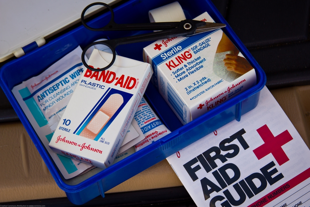 6. FAST AID TECHNIQUES   BodyTalk Access also includes an effective first-aid system that is non-invasive, safe and extremely simple. It will resolve simple issues as a stand-alone technique. For serious conditions, it is designed to be used safely until specialized healthcare arrives.