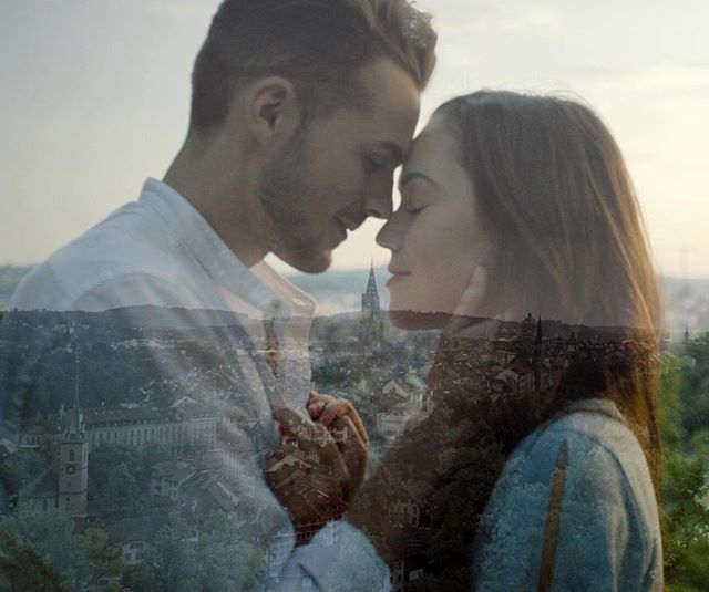 A lovestory from Bern🇨🇭 Stay tuned for more.. #couple #lovestorys #switzerland #bern #himandher #inlove #storytellers #pair #schweiz #summertime #love #kreativfilm #weddingfilmmaker #coupleshooting #couplegoals #destination #zytglogge #sunset #city