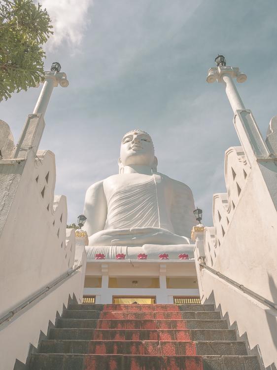 Bahiravokanda_Statue_Kandy_Sri_Lanka.jpg