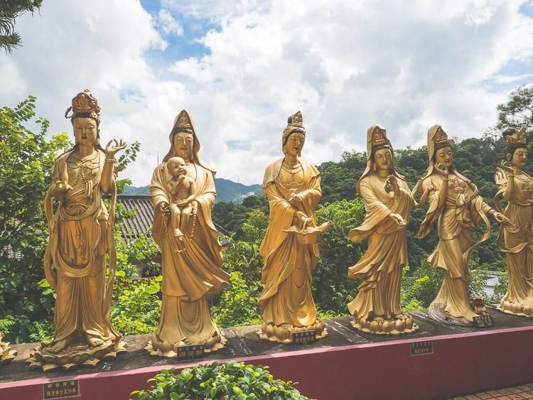 Hong_Kong_Ten_Thousand_Buddha.JPG
