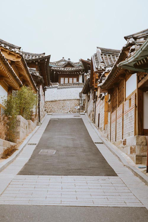 Bukchon-Hanok-Seoul-Elen-Pradera.jpg