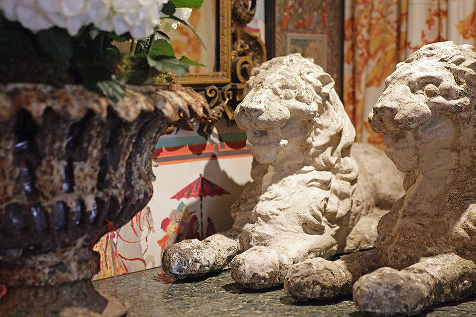 Stone lions.JPG