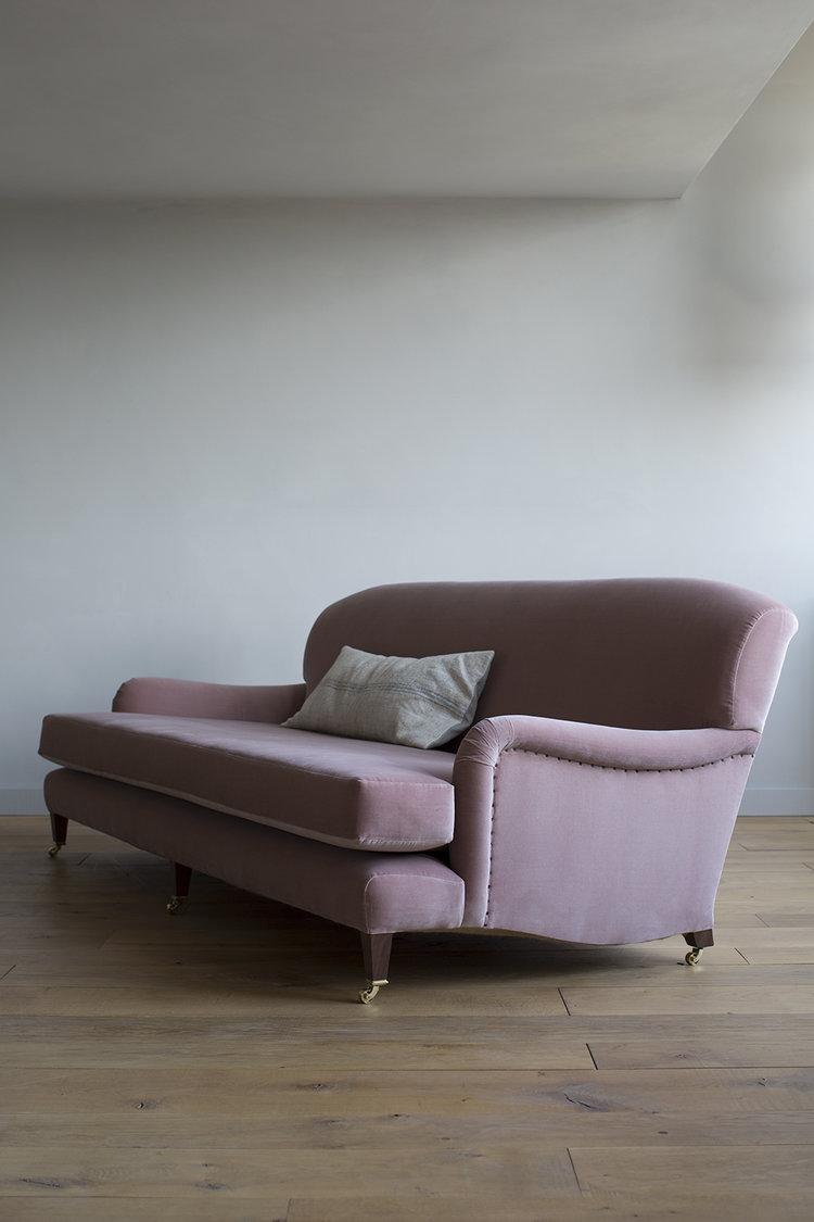 AtelierEllis - The Family Sofa