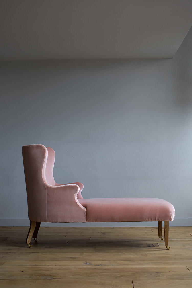 Atelier Ellis - The Mama Chaise
