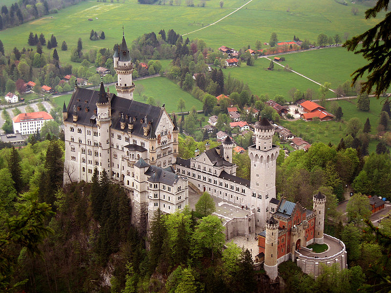 Travel to see the Neuschwanstein Castle