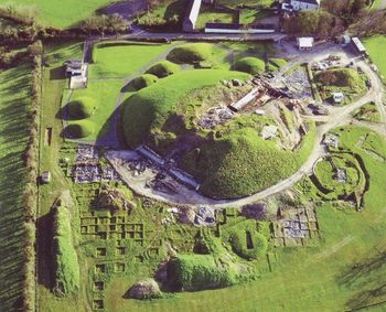 Hill-of-Tara-knowth-aerial-excavations.jpg