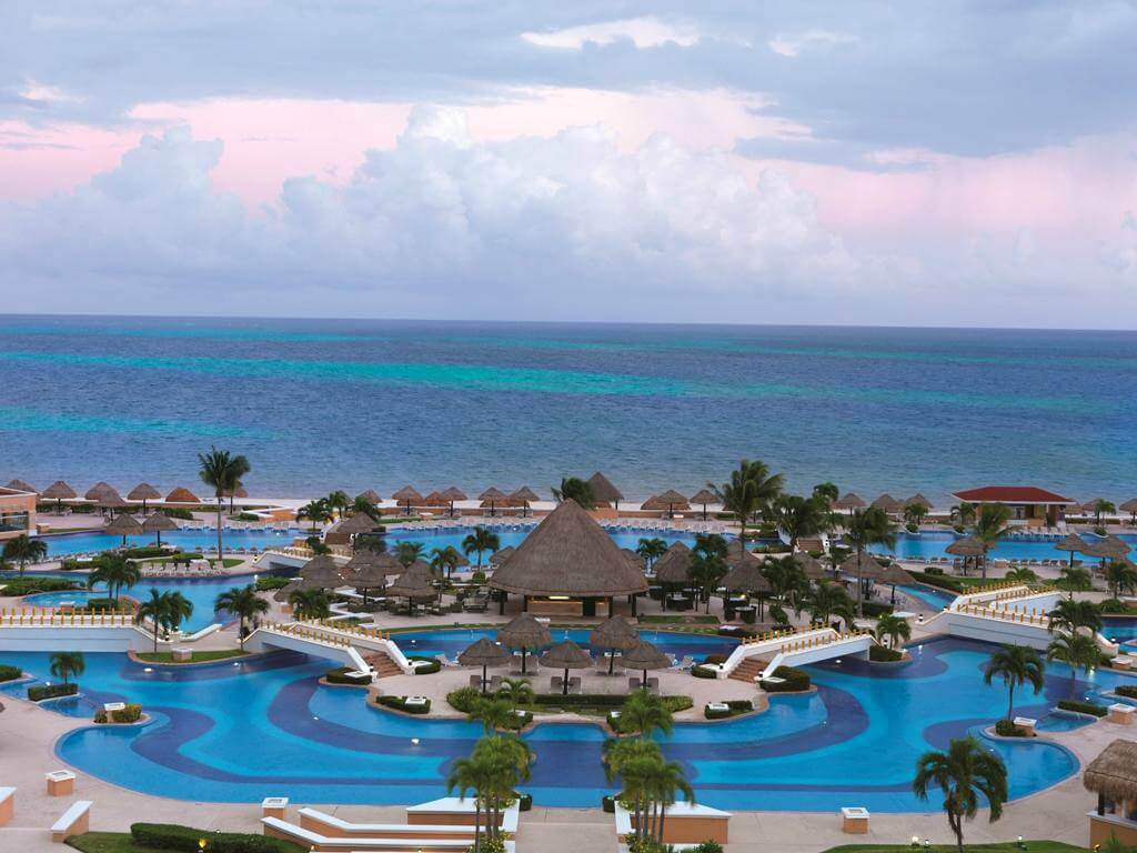 mega-resorts-moon-palace-swimming-pool-area.jpg