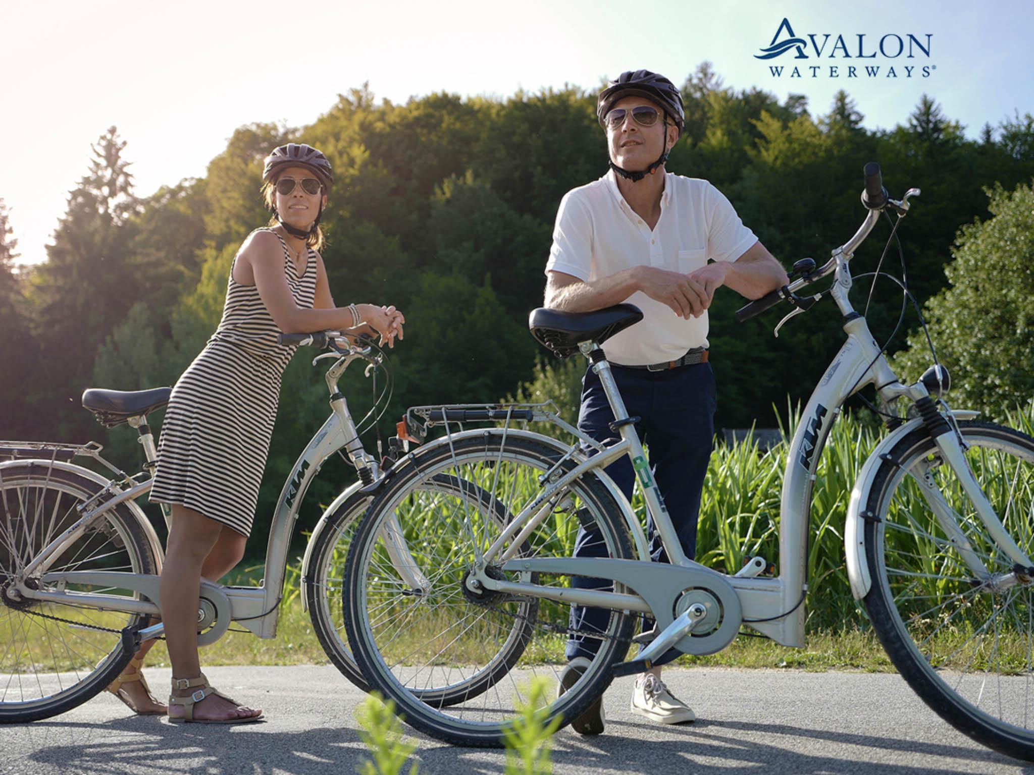 river-cruising-bike-excursion.jpg