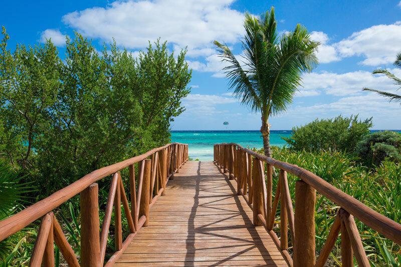 Momcation-Walkway-to-beach.jpg