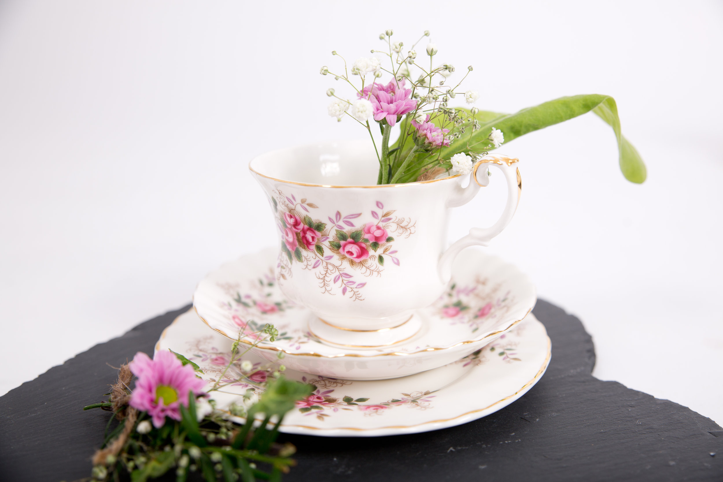 Vintage Style Trios – Cups, Saucers & Side Plates (VCLL03)