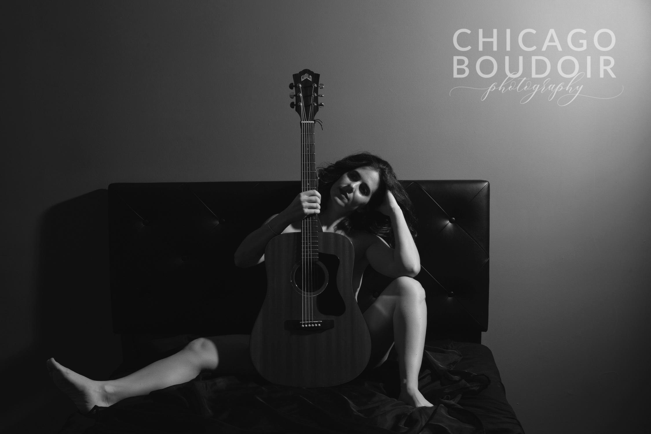 guitar boudoir shoot chicago boudoir photography