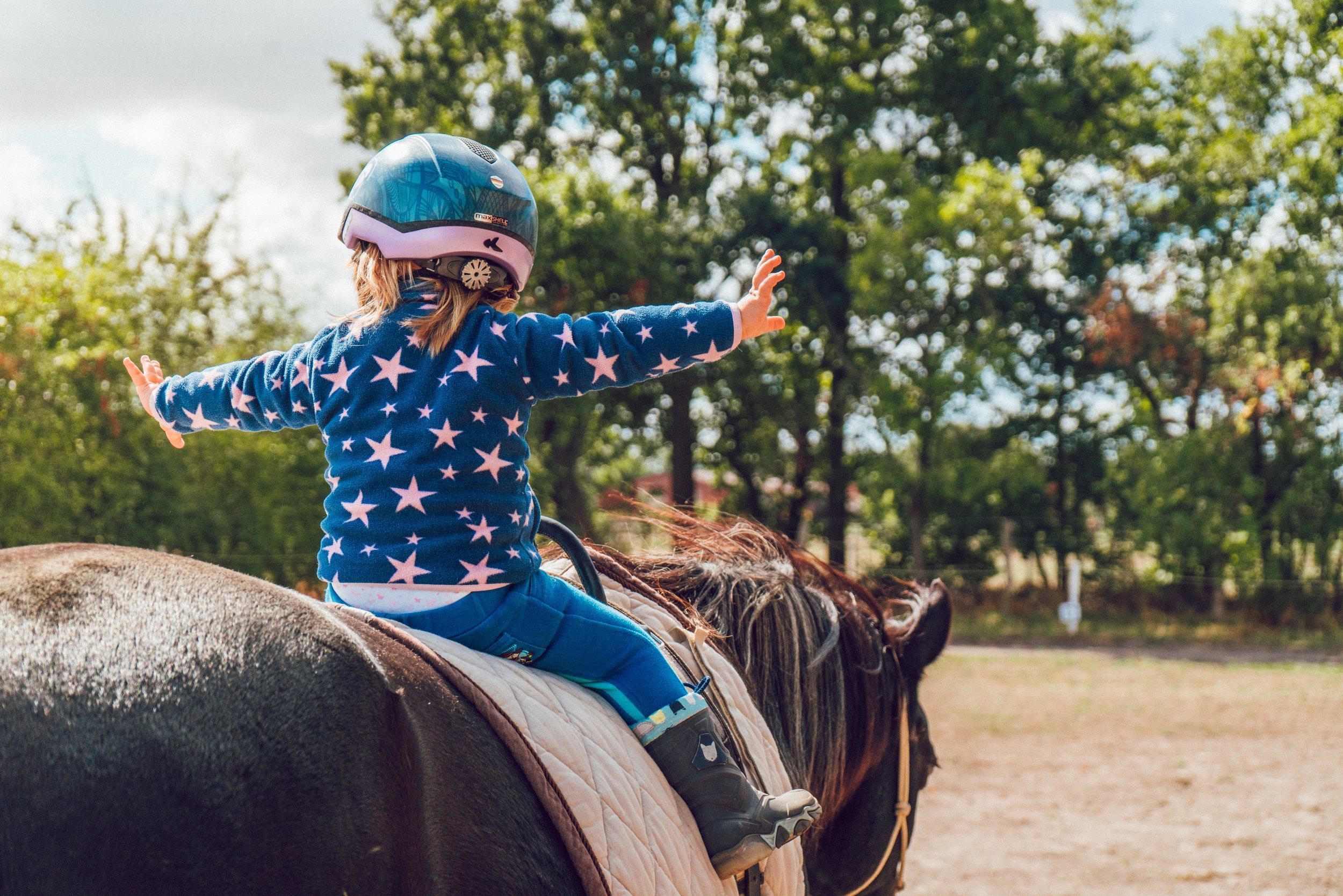 brave-child-courage-1364073.jpg