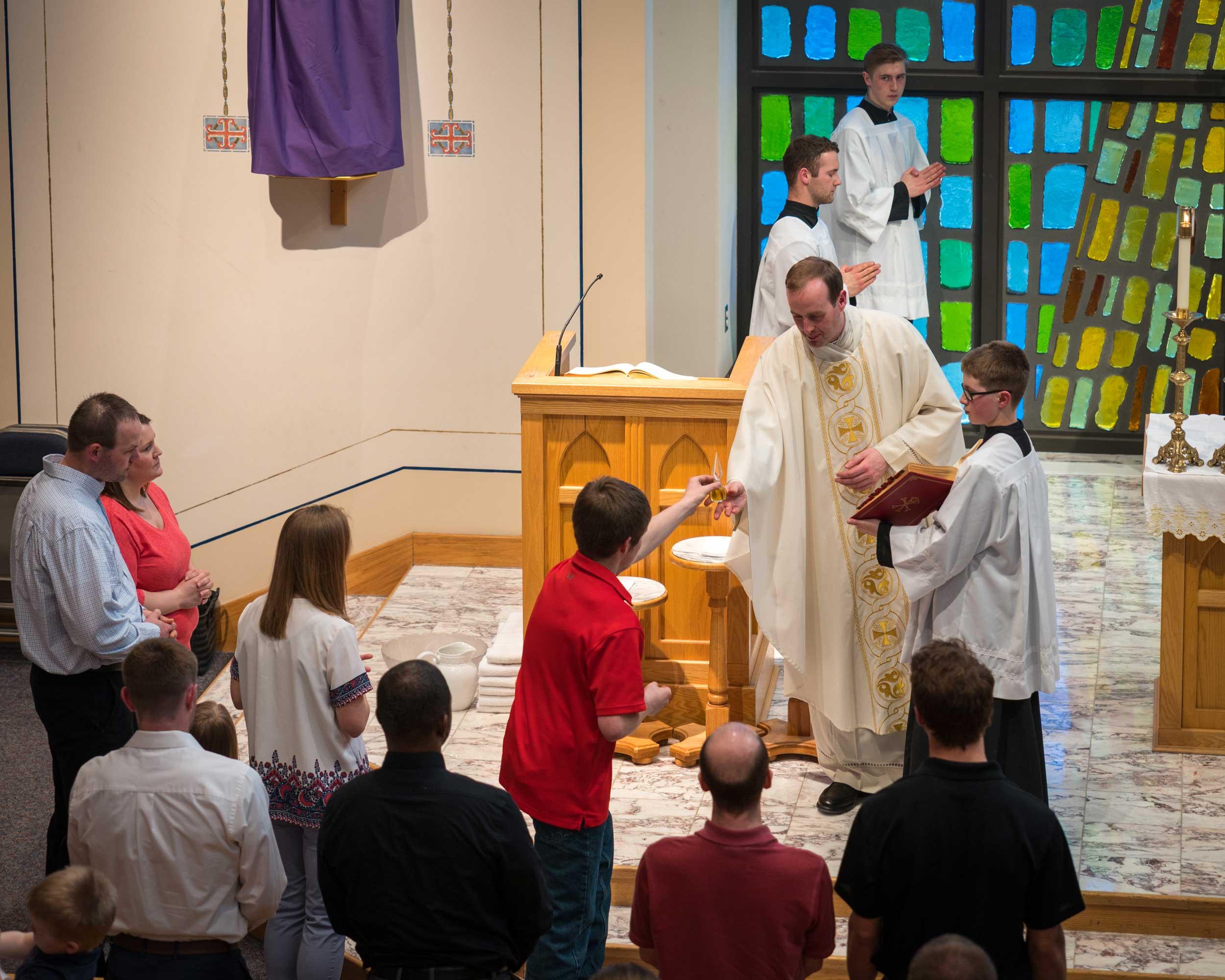 Presentation of the oils on Holy Thursday