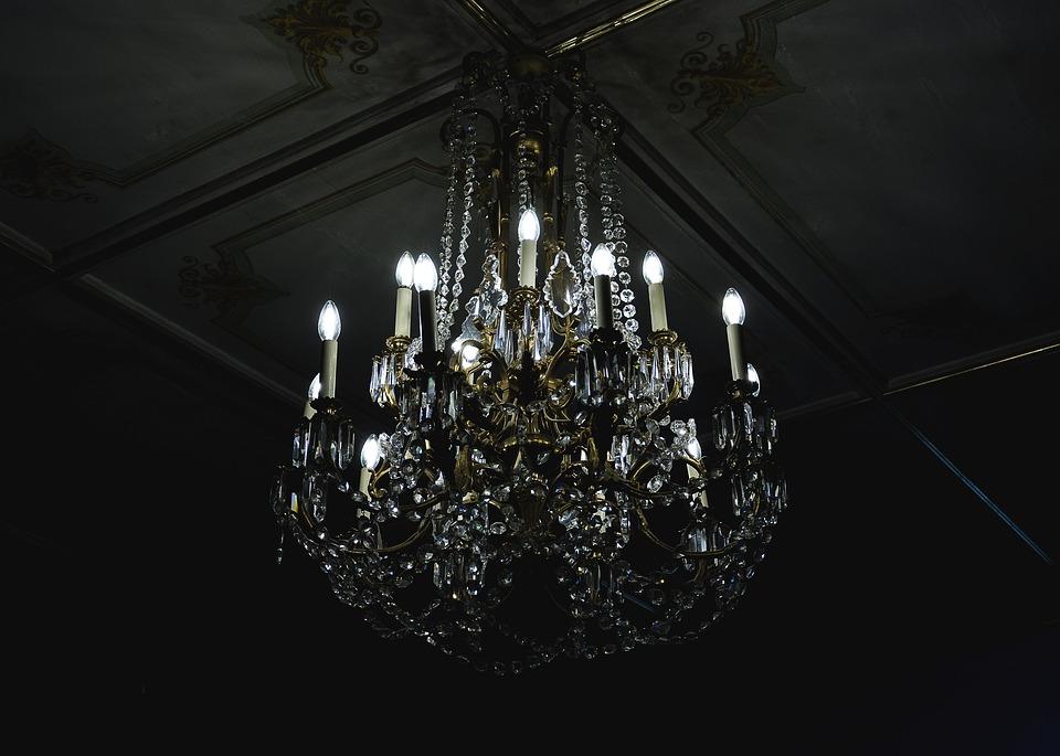chandelier-1868527_960_720.jpg