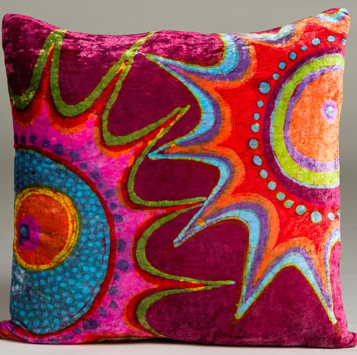 Hooey Batiks   Website:  www.hooeybatiks.com