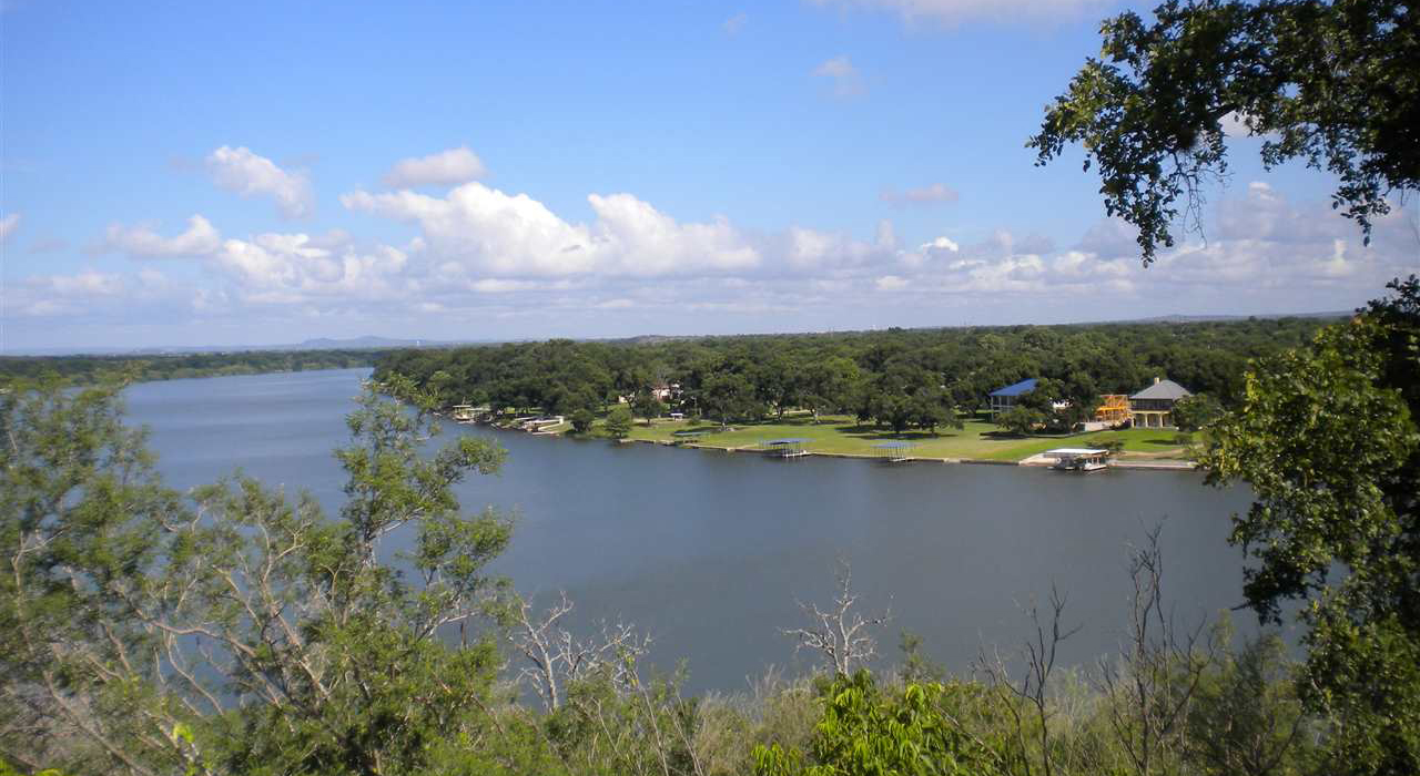 SELLING OR FINDING YOUR NEXTHOME, RANCH OR LAKE PROPERTYIS OUR MOST IMPORTANT RESPONSIBILITY. - WE SELL MARBLE FALLS