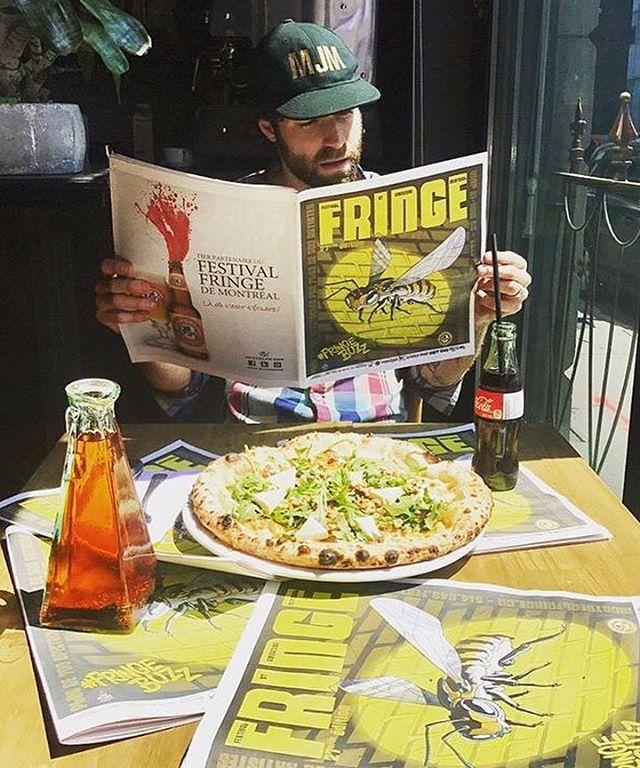 Venez essayer notre pizza #FringeBuzz disponible jusqu'à la fin du Festival St-Ambroise Fringe de Montréal. Huile à l'ail, pancetta, brie, mozzarella, miel, roquette, noix de Grenoble et basilic. $19 ou $24 avec une pinte de St-Ambroise.😋🍻🍕 #PizzeriaMagpie #MagpieVillage . . . . . . . #festivalstambroise #fringebuzz #foodie #mtlfoodie #foodphotography #food #mtleats #mtl #mtlrestaurant #mtlfood #mtlmoments #mtlblog #food #foodporn #foodblogger #foodstagram #foodlover #localeats #pizza #pizzeria #dinner #delicious #instagood #special #beer #beerfestival #photooftheday