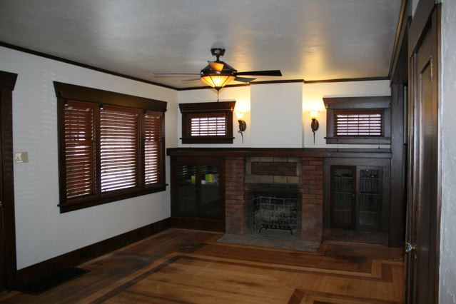 630 Silver Living room lights5 Craigs Lst.jpg