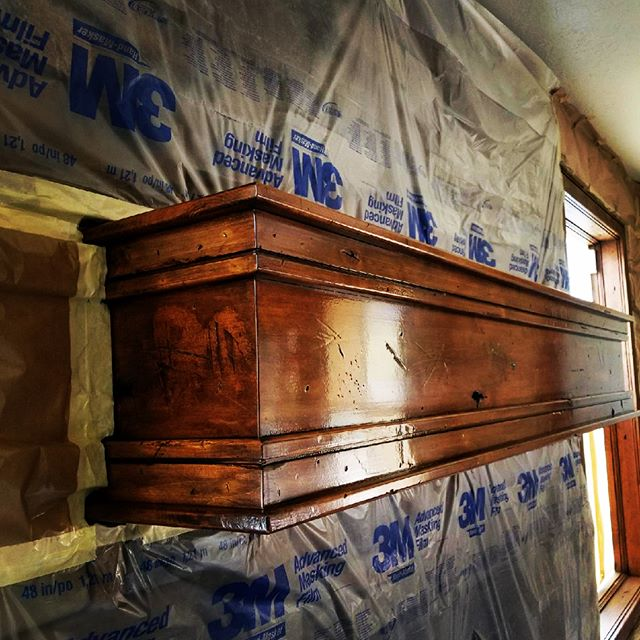 Freshly stained mantel. Maybe time for new family photos...🤔👨‍👨‍👧‍👦 #ottpaintingut #manteldecor