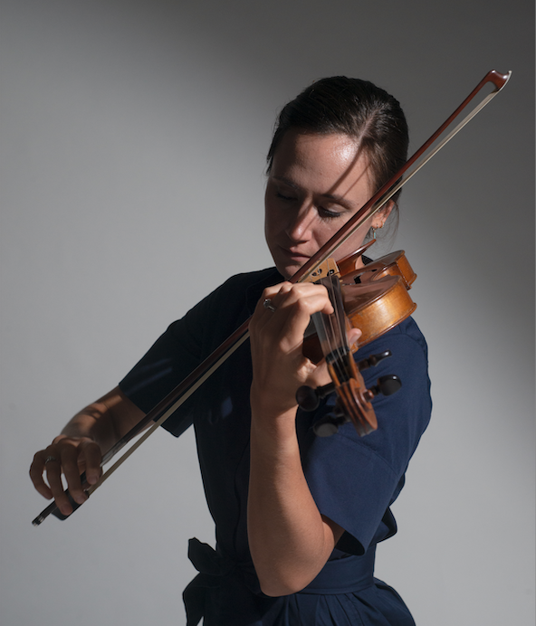 Morganne is a versatile violinist and passionate educator. - She holds advanced degrees in performance and pedagogy from top music conservatories.