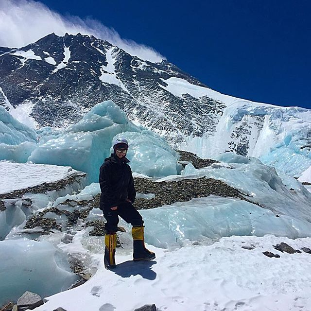 Liz Rose - In 2017, at the age of 26, Liz became the youngest Canadian to ever climb the infamous seven summits. Liz has summited Everest, Aconcagua, Denali, Kilimanjaro, Vinson, Elbrus and Kosciuszko.