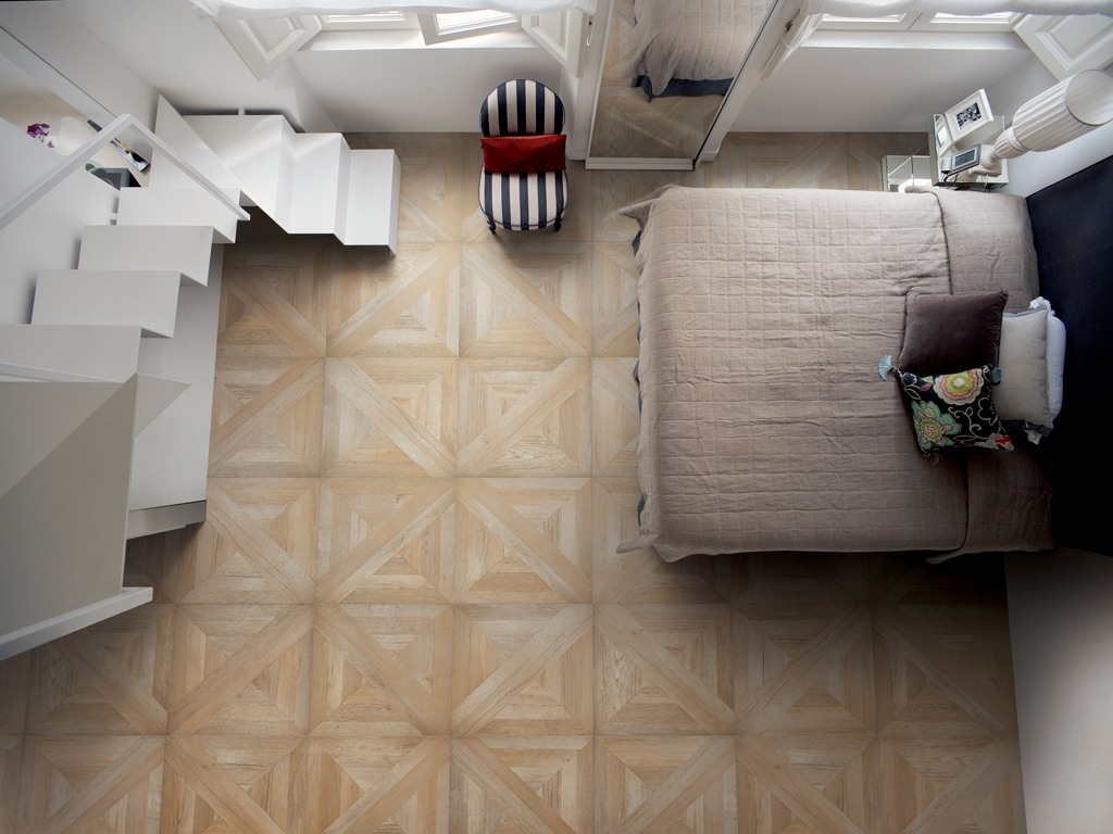 mansion-wood-look-tiles-bedroom.jpg