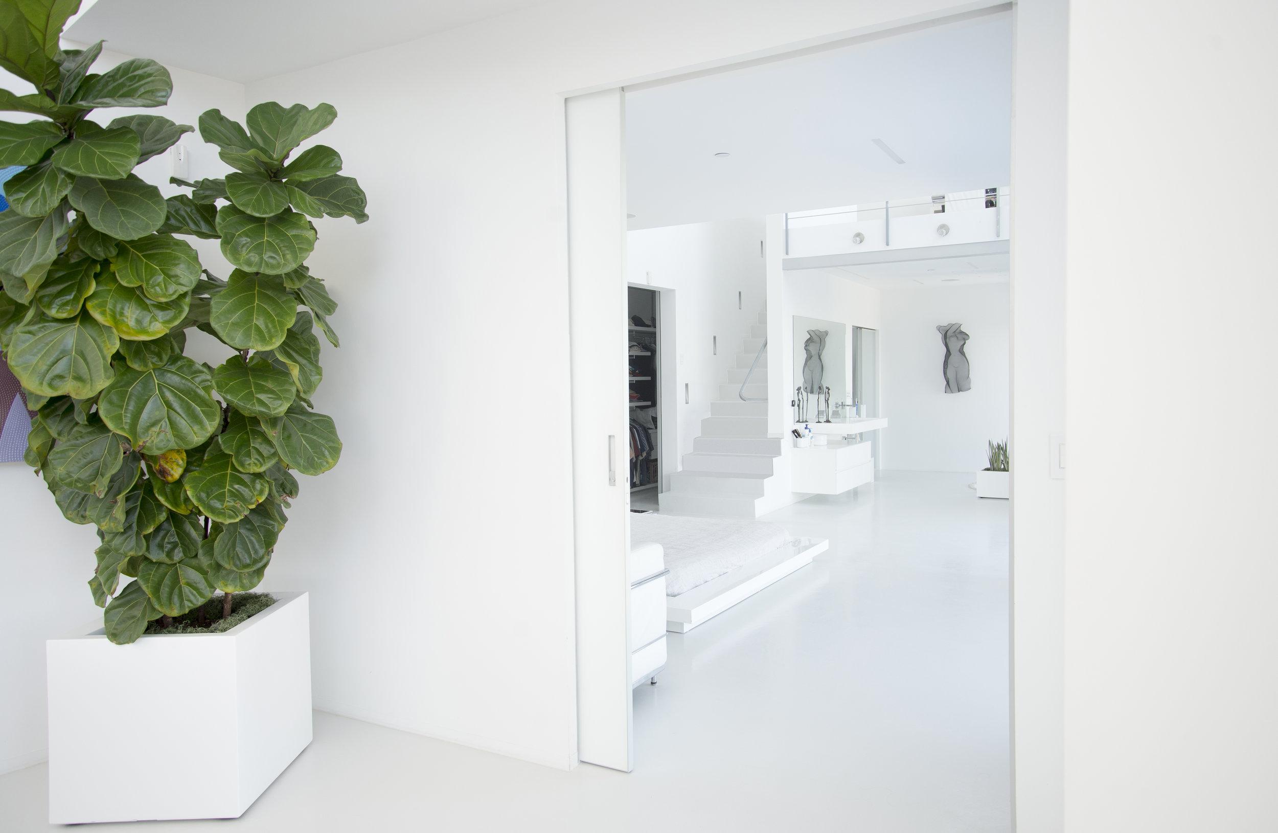 bedroom entry.jpg