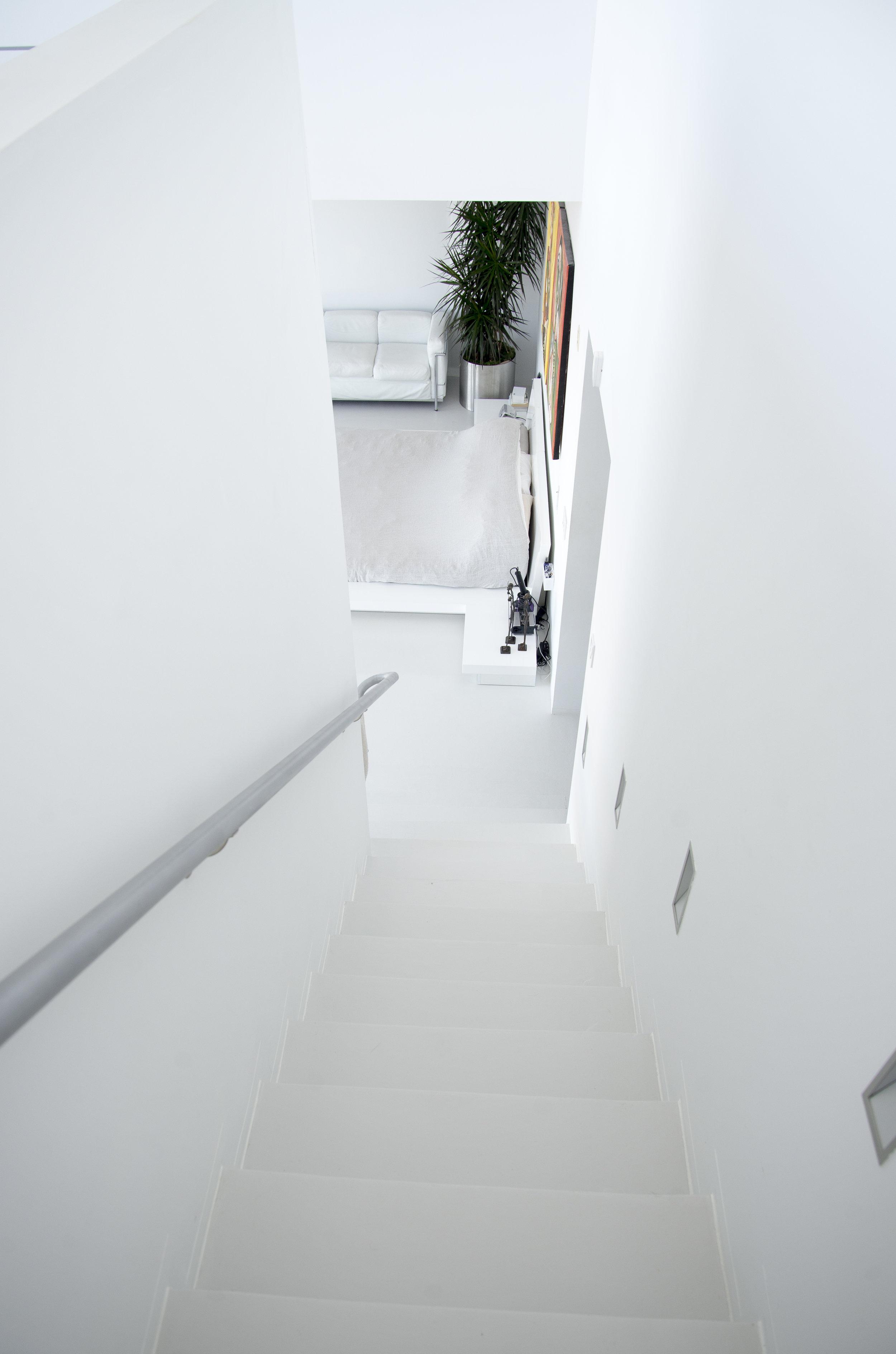 staircasebedroom.jpg