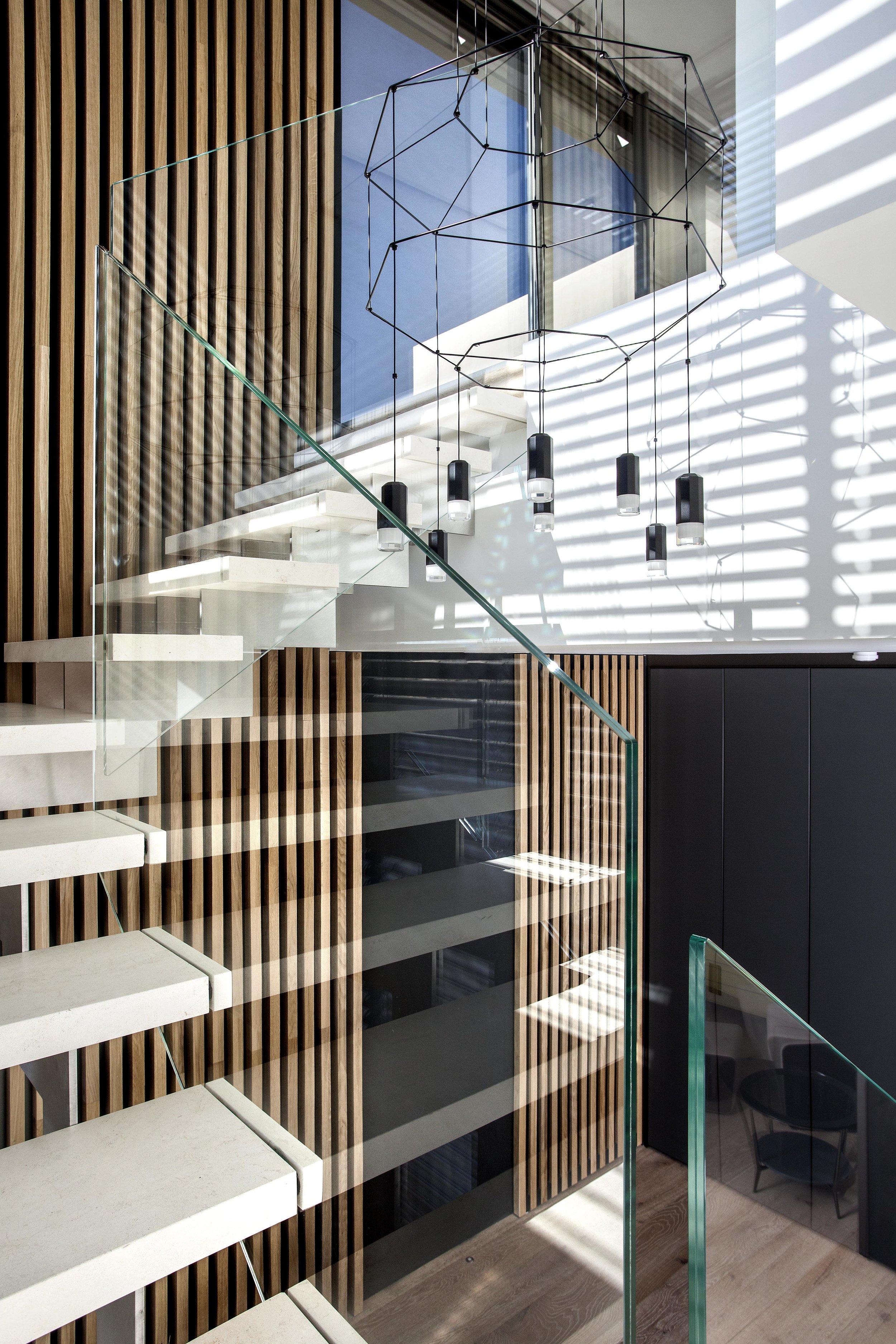 isolinamalloninteriors.pendant.staircase