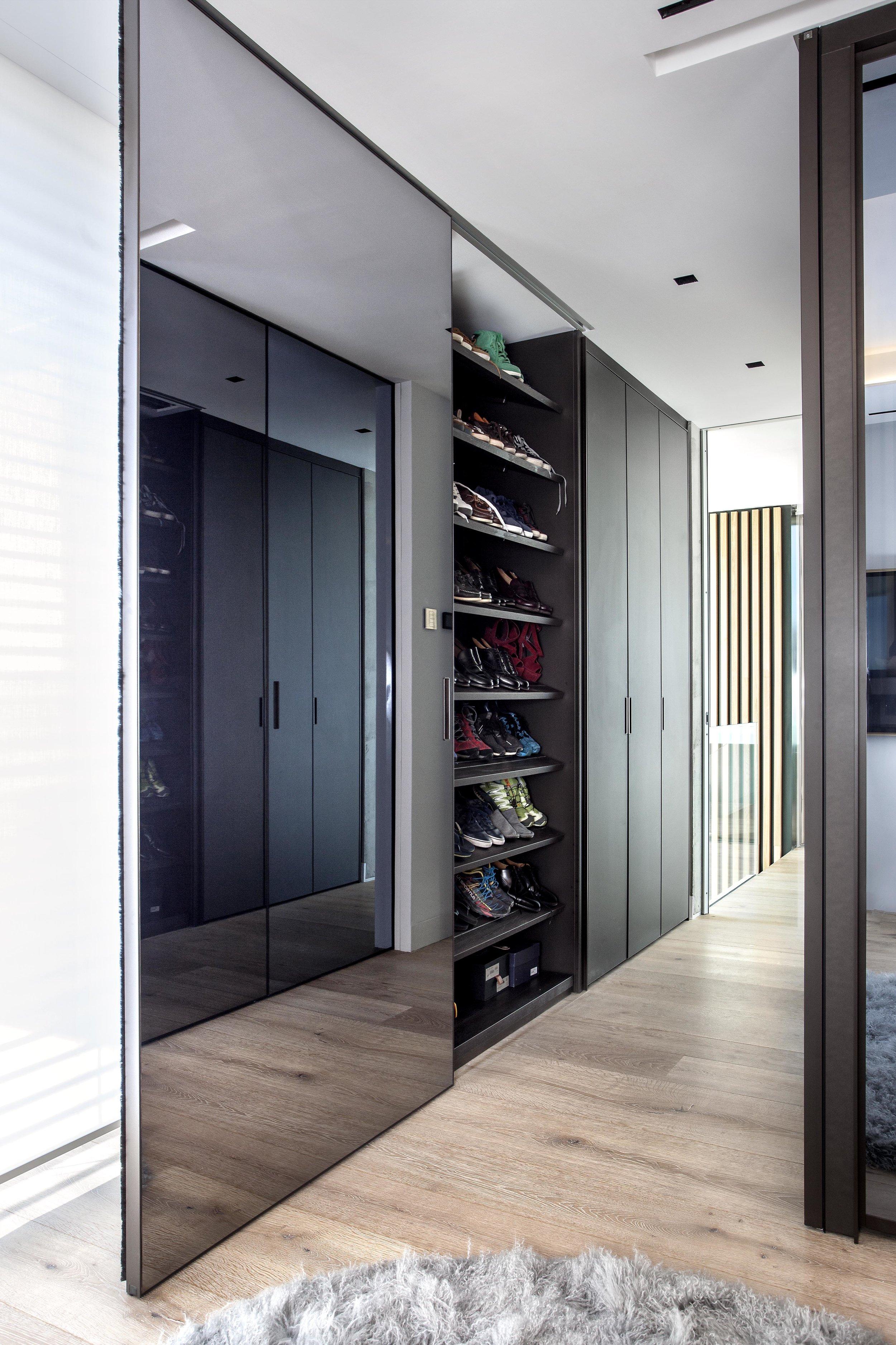 isolinamallon.interiors.closet