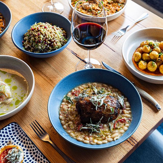 Delicious winter lunches 👌🏻 Shared feast of Flinders Island Lamb Neck, Patatas, Grain Salad, Ceviche, Sea & Mountain rice and of course a cheeky glass of Tempranillo 🍷😉 Open for lunch & dinner 🥘