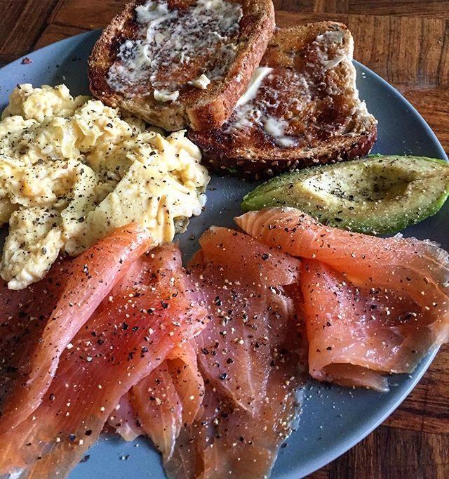Ahhh Sunday! #sundaybreakfast #smokedsalmon #lazysunday #instafood #foodporn