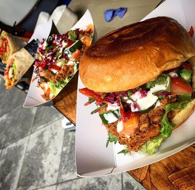 Get some Cajun flavours in your life! #londonstreetfood #cajunfood #burger #spicyrice #wraps #instafood #foodporn