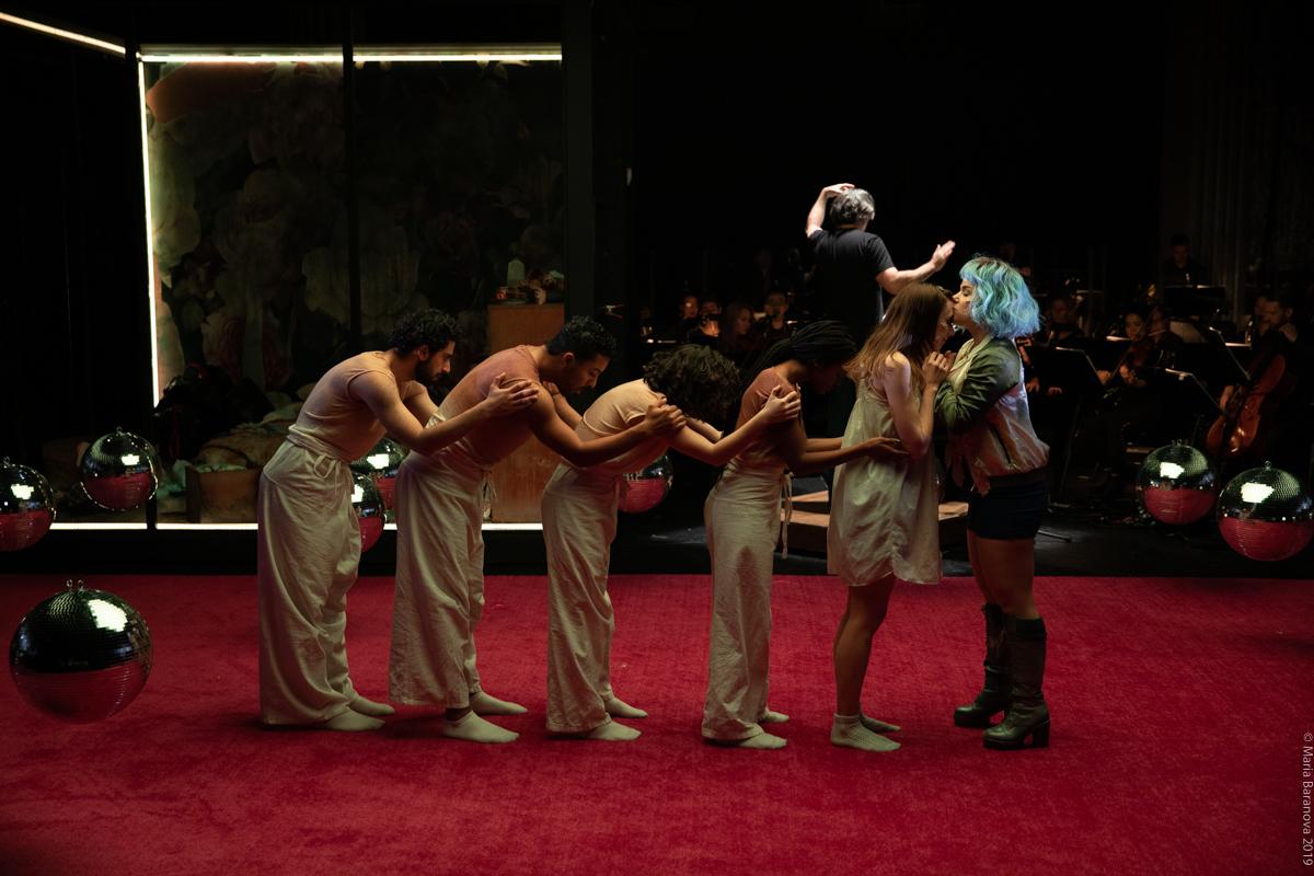 From left to right: Charbel Rohayem, Chris Emile,Gigi Todisco, Tatiana Barber, Anna Schubert, Rebecca Jo Loeb (Julian Wachner conducting)