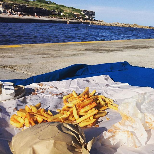 Grab yourself a burger and head down to Clovelly beach for some sunshine 🌞