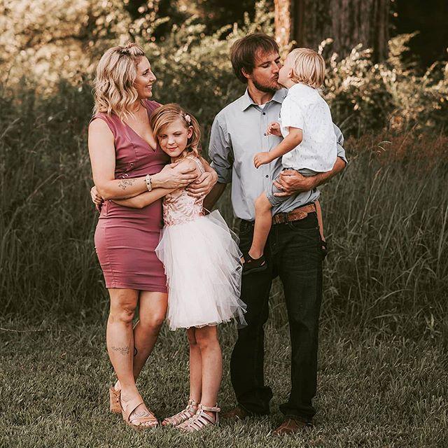 Www.jenniferblakephotos.com  #huntsvillephotographer #thefamilycollective #sweetgoldenhour #cullmanalabamaphotographer #coloradospringsphotographer #boldemotionalcolorful #clickinmoms #lookslikefilm #lookslikefilmkids