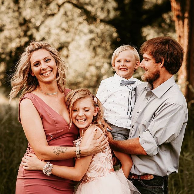 Loved this session from last night! I wont be able to take photos in alabama much longer! It looks like we will be moving to Colorado mid-to late-august!  Www.jenniferblakephotos.com  #huntsvillephotographer #thefamilycollective #sweetgoldenhour #cullmanalabamaphotographer #coloradospringsphotographer #boldemotionalcolorful #clickinmoms #lookslikefilm #lookslikefilmkids