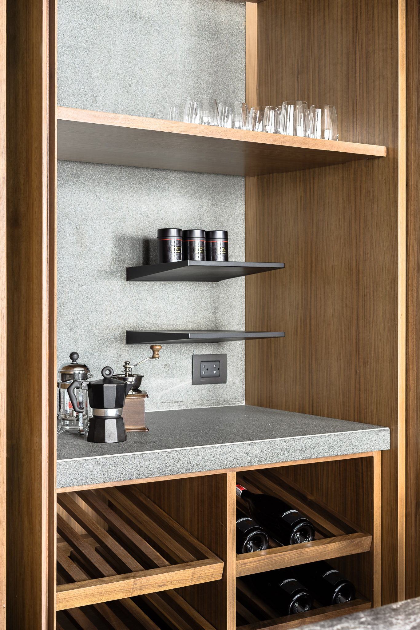 Thonglor residence_kitchen storage