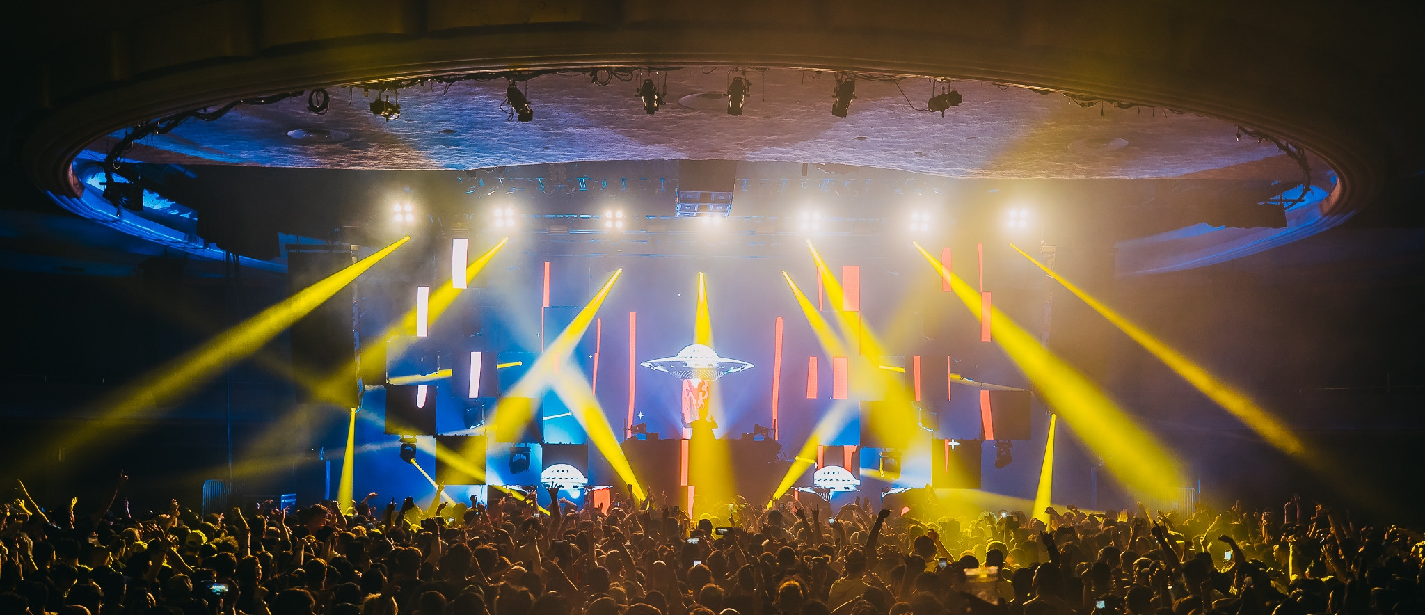 Photo of our show visuals for  Oliver Heldens  at Hollywood Palladium (photographer: RUKES)