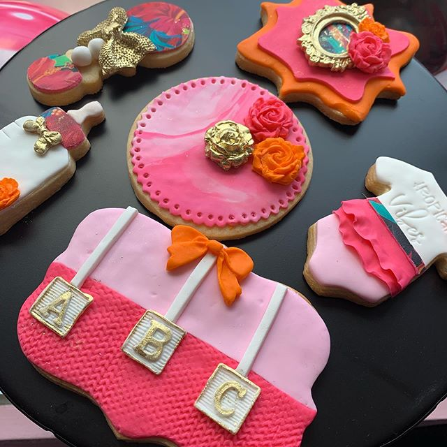 Yesterday I learned how to make some amazing sugar cookies.  Afterwards we learned the decorating with fondant technique.  Now I understand  why decorators charge $65 per dozen.  Very time consuming because of the details #cutiecustomcookies