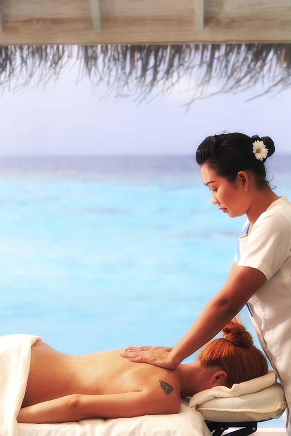 011 Kihavah Anantara Maldives.jpg