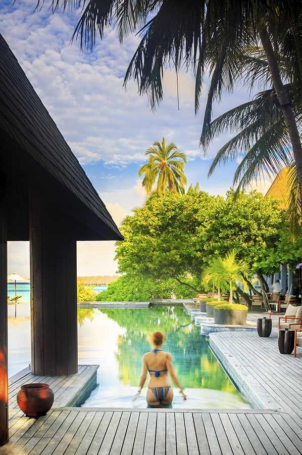 010 Kihavah Anantara Maldives.jpg
