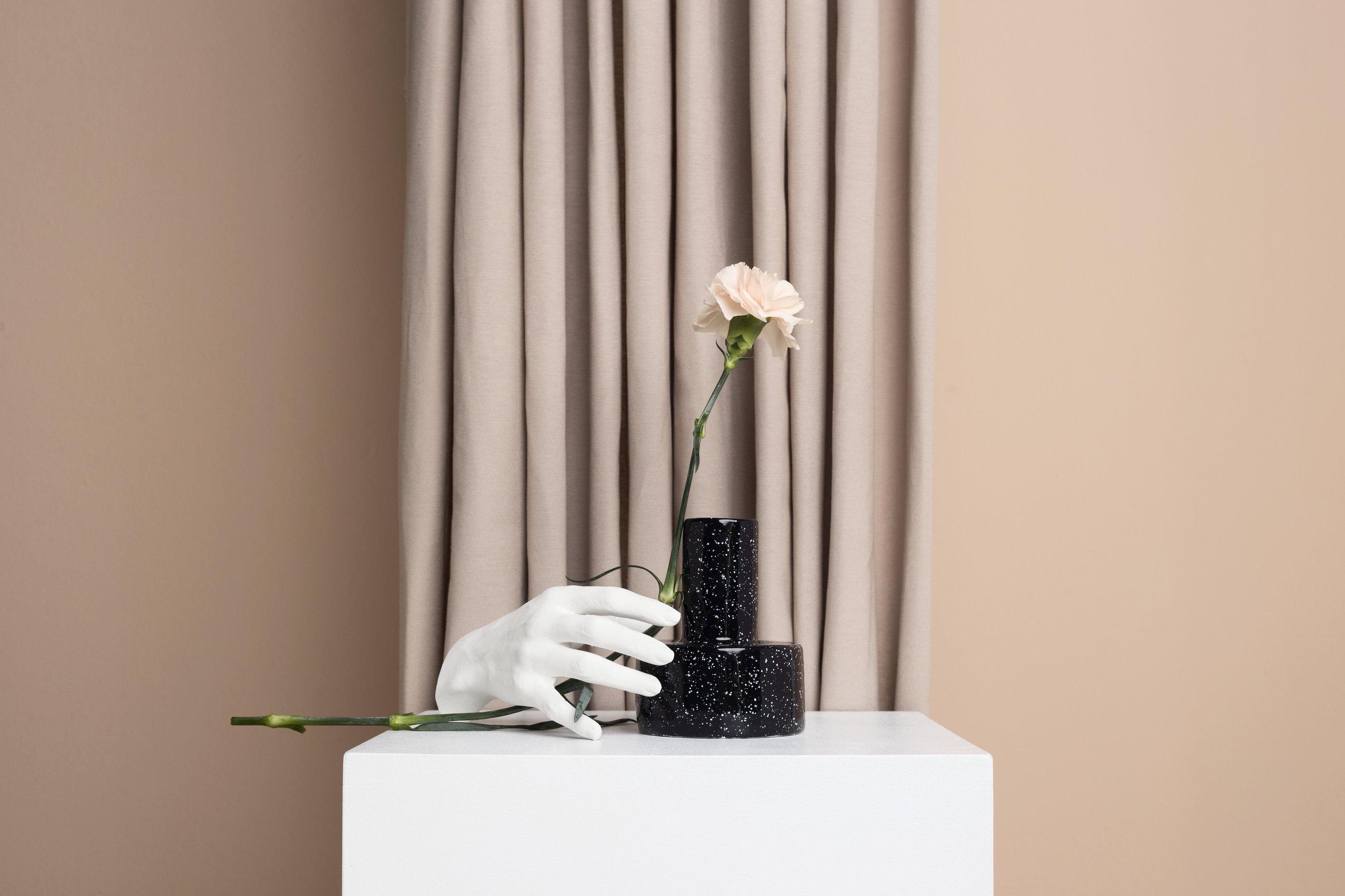 Column + Plaster Hand  Set: La Cueva Studio & Marcela Luna  Photo: Erika Anes
