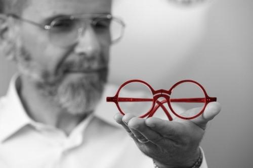 f8977a7c5a Marco Grassi ha aperto il centro optometrico Family Vision Center tramite il  quale si occupa di prevenzione dei fastidi che riducono attenzione,  autonomia e ...