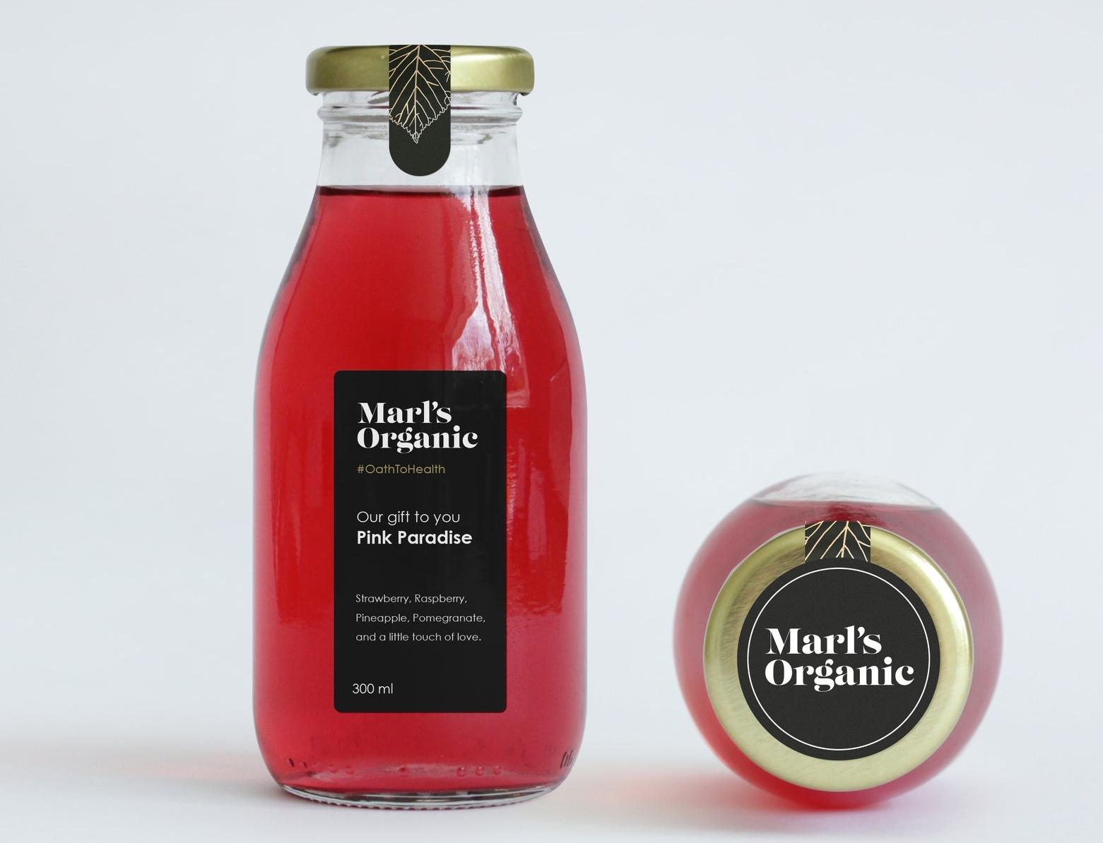 Juice Bottle Packaging MockUp.jpg