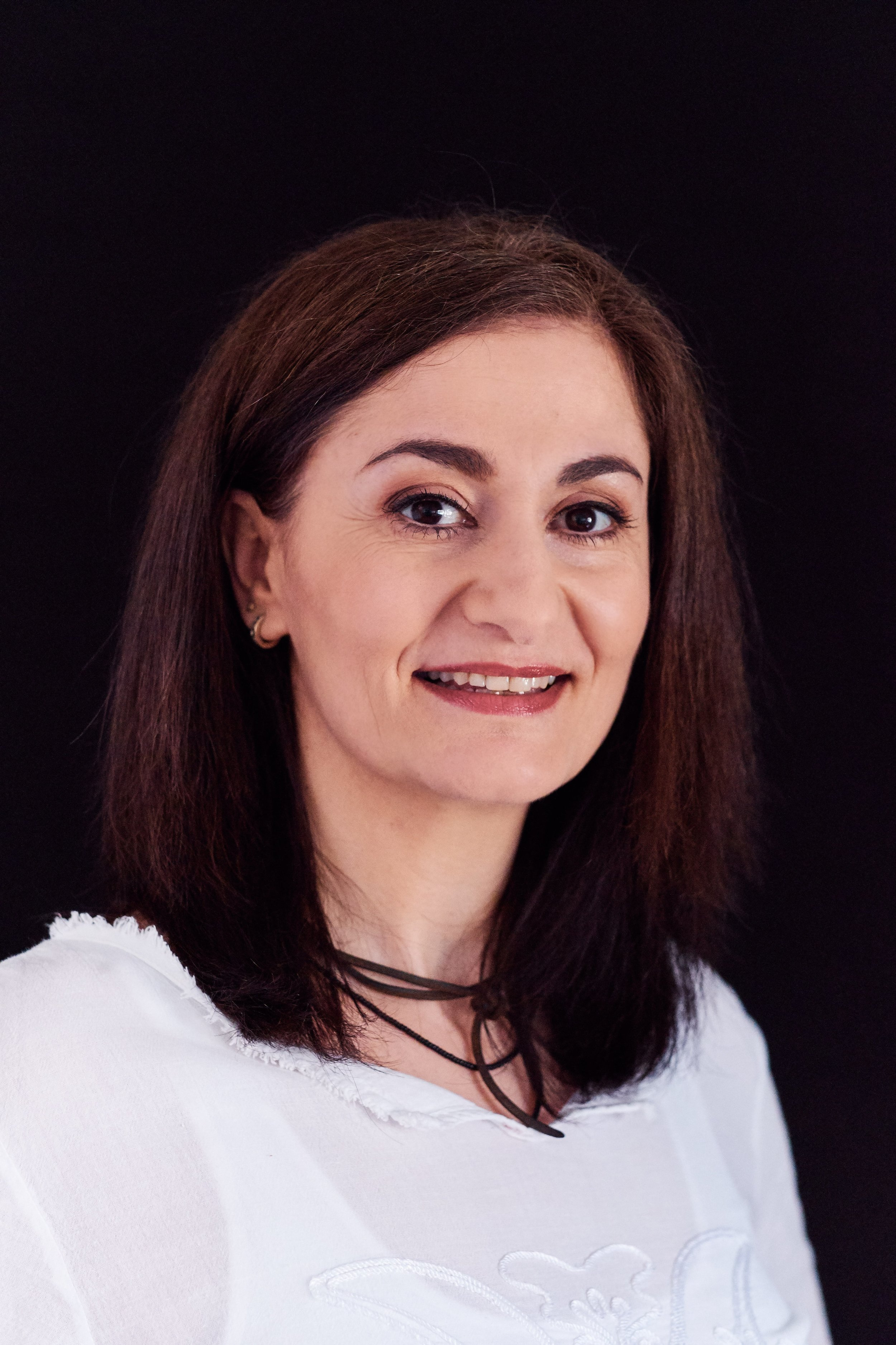 Surreya Salkovic - Augenoptikerin
