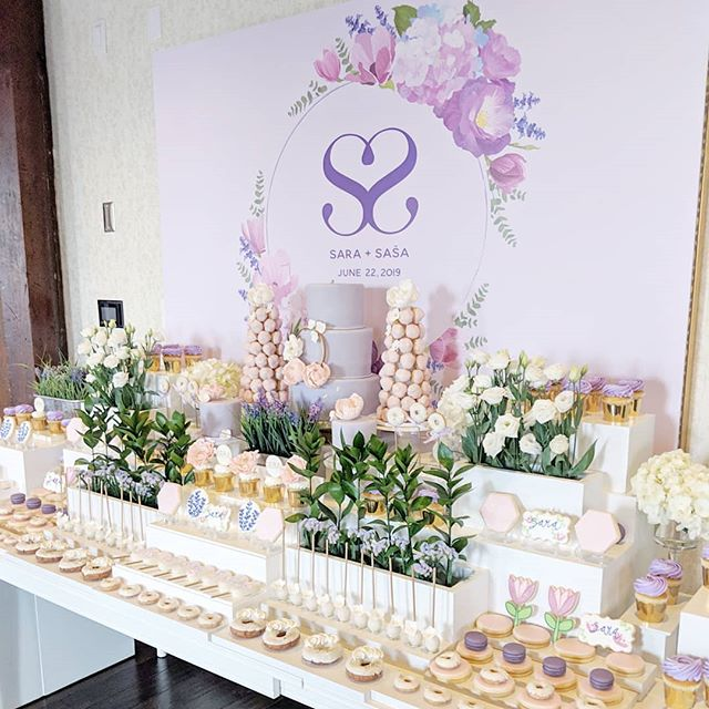 Started this year's bridal season yesterday celebrating Sara's bridal shower @ancaster_mill 🌸💜 #theartofsweets #sweettable #sweetstable #sweets #desserttable #dessert #bridalshower #bridalshowerdecor #purple #greenery #gardentheme #oakville #macarons #cakepopsicles #cakepops #cake #lollipops #cookies #spoilyourguests #hamont