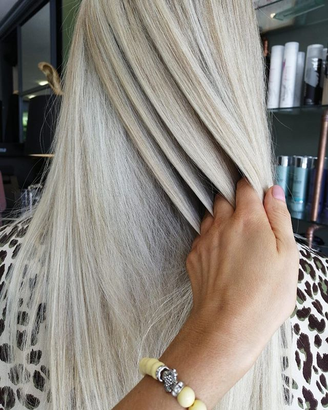 @riaharding_nc_hair is such a blonde expert!!! Beautiful work here and cut @natalijahairstylist yesterday ♥️♥️♥️♥️ #limericksalon