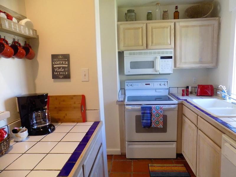 h kitchen best pic.jpg